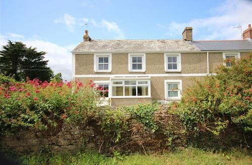 Snaptrip - Last minute cottages - Wonderful South Cornwall Cottage S37878 - Rescassa Farm Wing