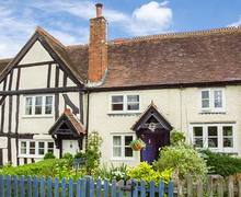 Snaptrip - Last minute cottages - Attractive Lapworth Cottage S37888 -