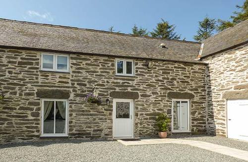 Snaptrip - Last minute cottages - Excellent Llangwm Cottage S37900 -