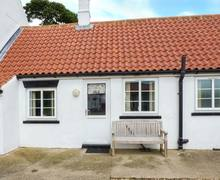 Snaptrip - Last minute cottages - Attractive Barmston Cottage S37920 -
