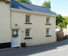 Snaptrip - Holiday cottages - Tasteful St. Clears Cottage S37922 -