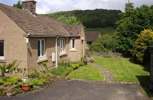 Snaptrip - Last minute cottages - Splendid Hope Valley Cottage S3750 -