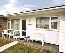 Snaptrip - Last minute cottages - Luxury Kessingland Cottage S38021 -