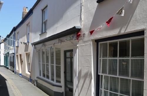 Snaptrip - Last minute cottages - Tasteful Bideford Cottage S38029 -