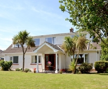 Snaptrip - Last minute cottages - Luxury Tenby Cottage S38051 -