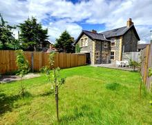 Snaptrip - Last minute cottages - Exquisite Builth Wells Cottage S38058 - WAL365 - Garden