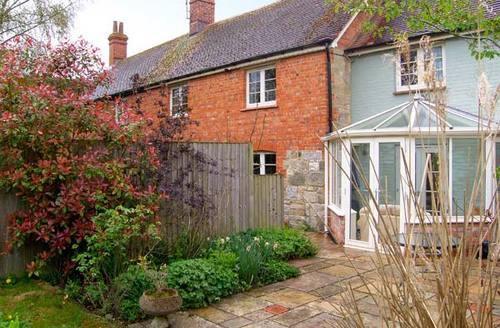 Snaptrip - Last minute cottages - Excellent Salisbury Cottage S3748 -