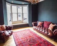 Snaptrip - Last minute cottages - Tasteful Beaumaris Apartment S38115 -