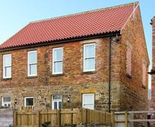 Snaptrip - Holiday cottages - Delightful Whitby Lodge S3771 -