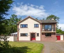 Snaptrip - Last minute cottages - Superb Workington Lodge S38226 -