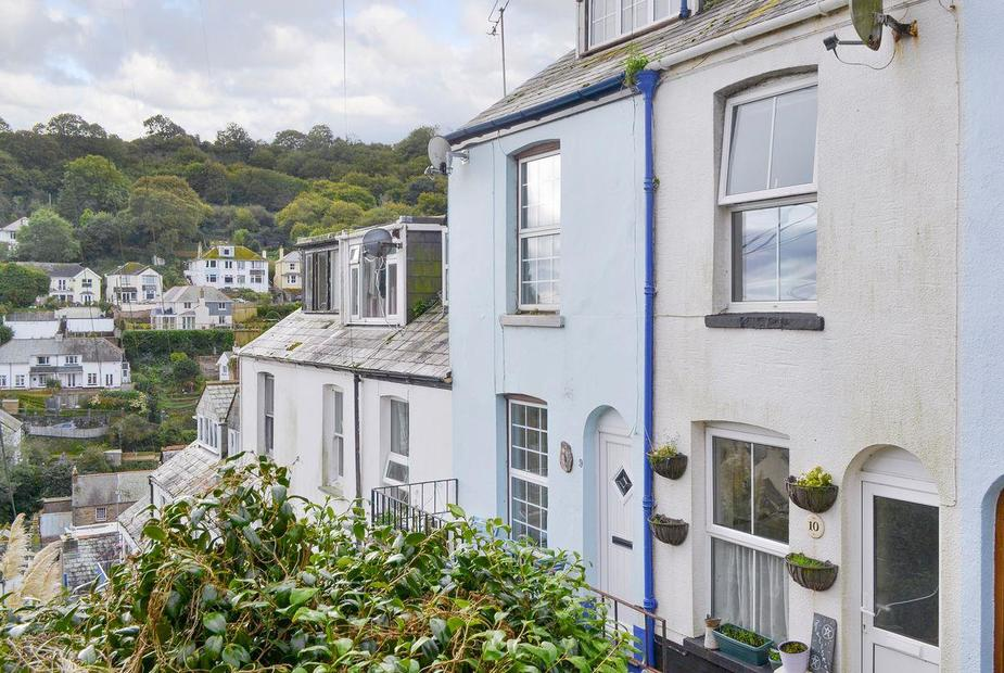 Puffin Cottage Characterful end-of-terrace holiday home | Puffin Cottage, West Looe