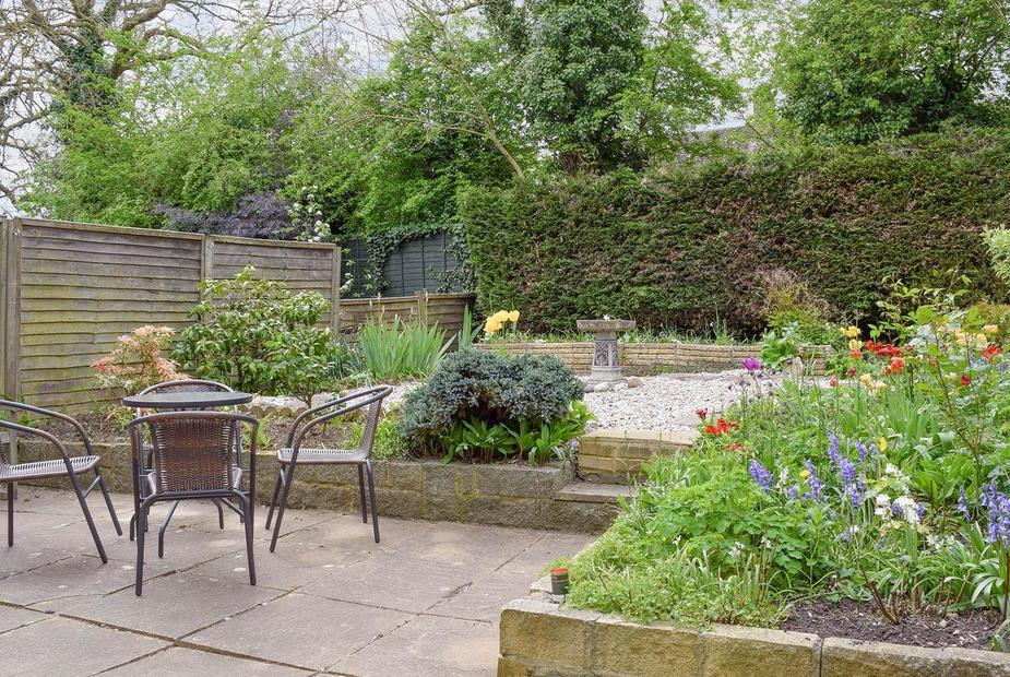 Rosalee Well-maintained garden and patio | Rosalee, Eynsham, near Witney