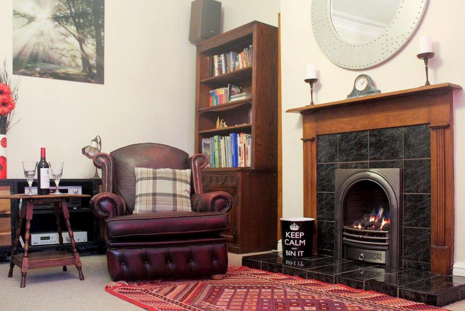 Turnstone Cosy living room with gas fire   Turnstone, Amble