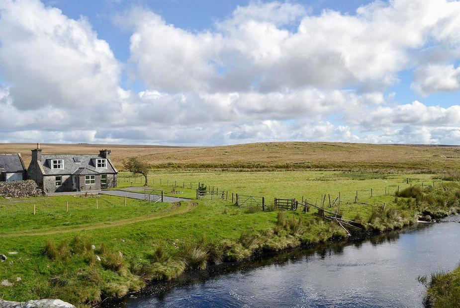 Dalnigap Perched on the bank of a small river | Dalnigap, New Luce, near Stranraer