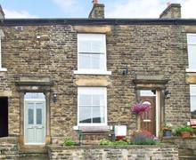 Snaptrip - Last minute cottages - Cosy High Peak Cottage S3874 -