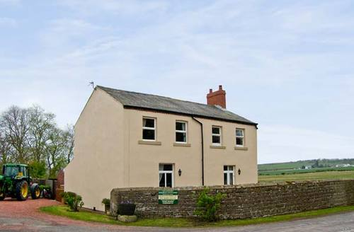 Snaptrip - Last minute cottages - Quaint Berwick Upon Tweed Cottage S3879 -