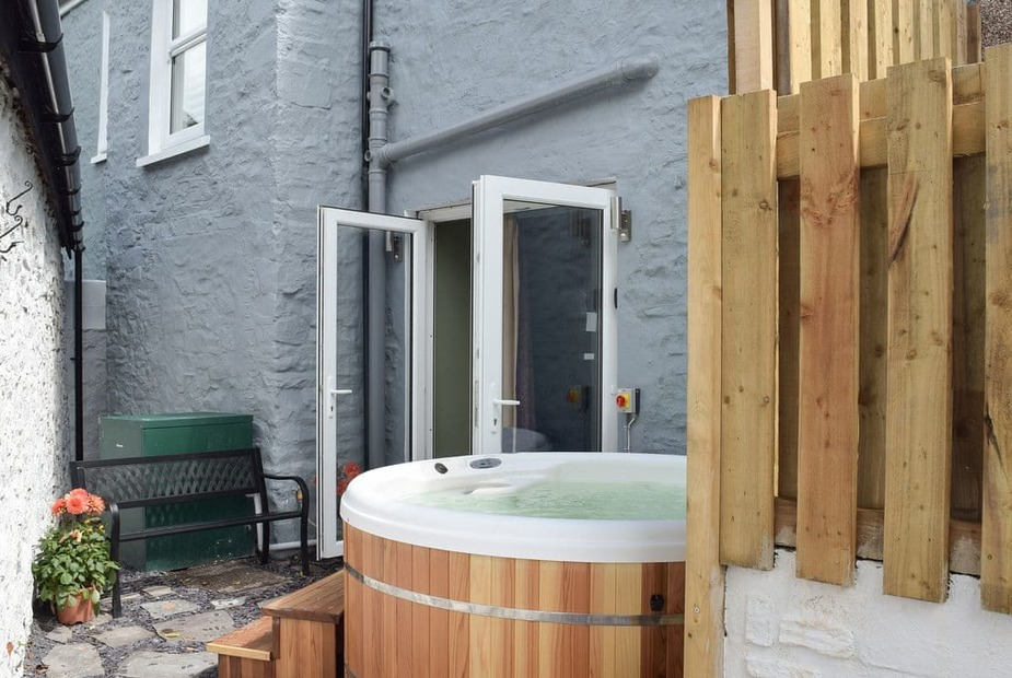Chandlers Cottage Hot tub | Chandlers Cottage, Laugharne