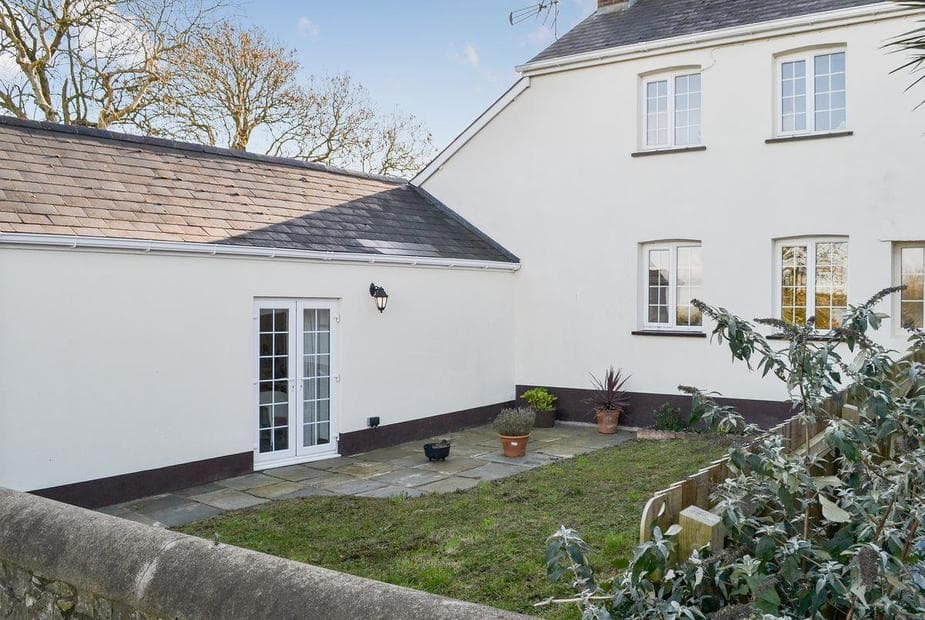Littleham Court Cottage Spacious holiday property | Littleham Court Cottage, Littleham, near Bideford