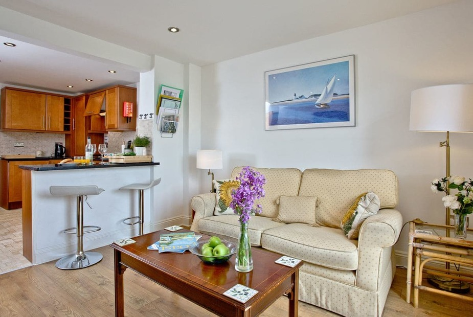 Pebbles - Endsleigh Court Open plan living space | Pebbles, Endsleigh Court - Endsleigh Court, Stoke Fleming, near Dartmouth
