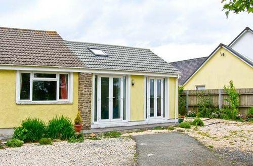 Snaptrip - Last minute cottages - Adorable Dreenhill Cottage S39267 -