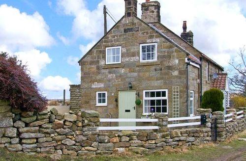 Snaptrip - Last minute cottages - Excellent Lealholm Cottage S39291 -
