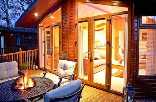Snaptrip - Last minute cottages - Cosy Troutbeck Bridge Cottage S39301 -