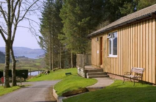 Snaptrip - Last minute cottages - Quaint Lerags Glen Lodge S39396 -