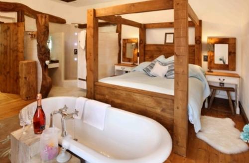 Snaptrip - Last minute cottages - Lovely Fangfoss Cottage S39429 -
