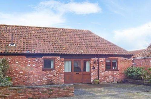 Snaptrip - Last minute cottages - Excellent Iken Cottage S39432 -