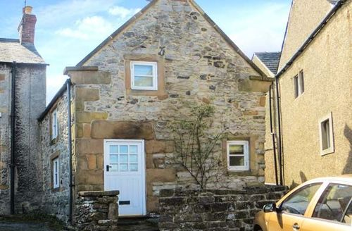 Snaptrip - Last minute cottages - Lovely Wensley Cottage S39434 -
