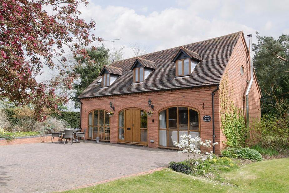 Harvesters Motor House Attractive holiday home | Harvesters Motor House, Middletown, near Alcester