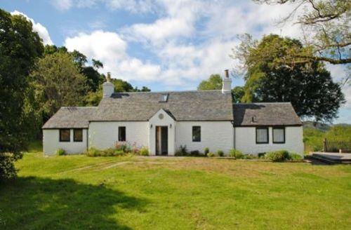 Snaptrip - Last minute cottages - Adorable Near Kilfinan Lodge S39460 -