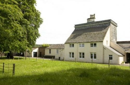 Snaptrip - Last minute cottages - Stunning Gordon Castle Cottage S39467 -