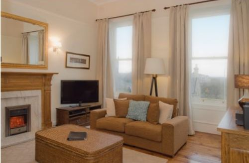 Snaptrip - Last minute cottages - Luxury Lynedoch Place Apartment S39468 -