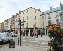Snaptrip - Last minute cottages - Delightful New Ross Apartment S39600 -