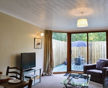 Snaptrip - Last minute cottages - Quaint Drumnadrochit Cottage S39645 -