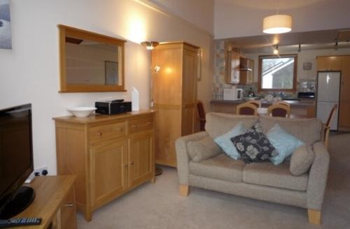 Snaptrip - Last minute cottages - Tasteful 2 Bedroomed Cottage S39677 -