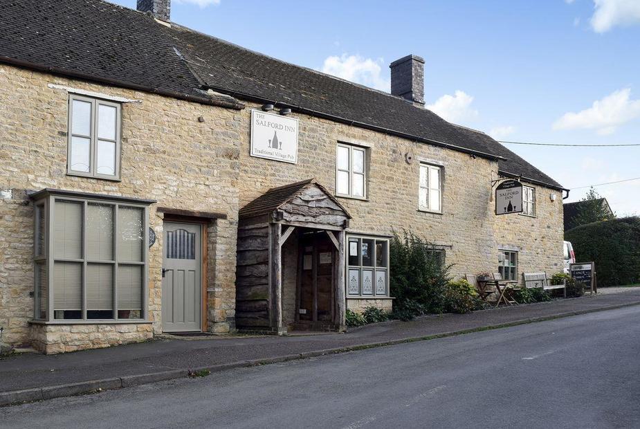Middle Cottage 300 year old, sympathetically restored holiday cottage | Middle Cottage, Salford, near Chipping Norton