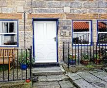 Snaptrip - Last minute cottages - Adorable Saltburn By The Sea Nook S3990 -