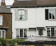Snaptrip - Last minute cottages - Exquisite Knaresborough Rental S3995 -