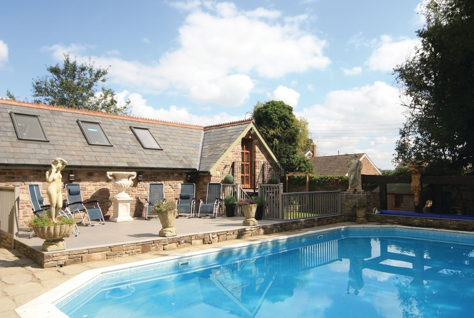 Willsbrook Lodge - HW7698 Shared outdoor heated swimming pool | Willsbrook Lodge, Raglan