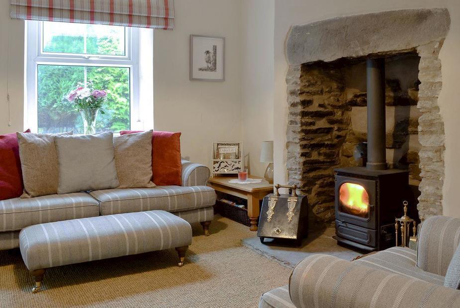 Middlegate Cottage Cosy living room with wood burner | Middlegate Cottage, Burtersett, near Hawes