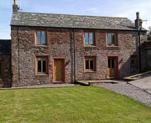 Snaptrip - Last minute cottages - Quaint Maryport Cottage S4017 -