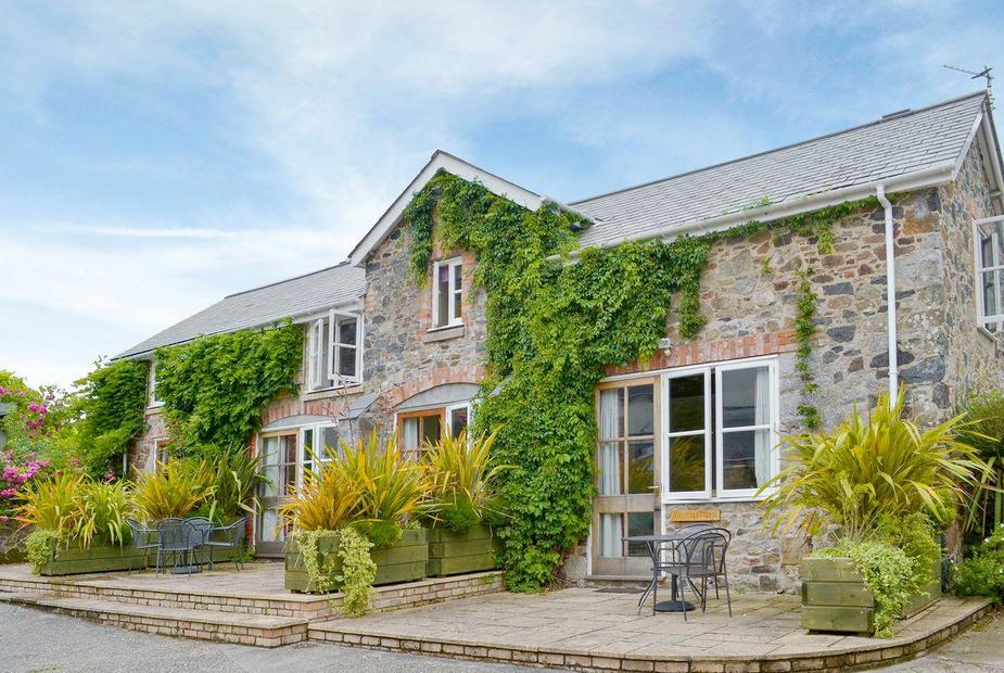 VIRGINIA COTTAGE Stunning holiday home | Wisteria Cottage, Fig Cottage, Virginia Cottage - East Dunley Cottages, Bovey Tracey