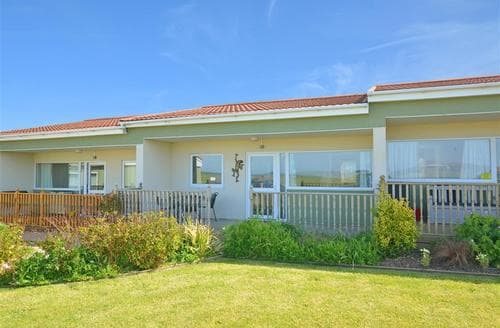 Snaptrip - Last minute cottages - Adorable Bacton Rental S25749 - Exterior