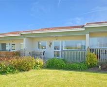 Snaptrip - Last minute cottages - Adorable Bacton Rental S25749 - Exterior