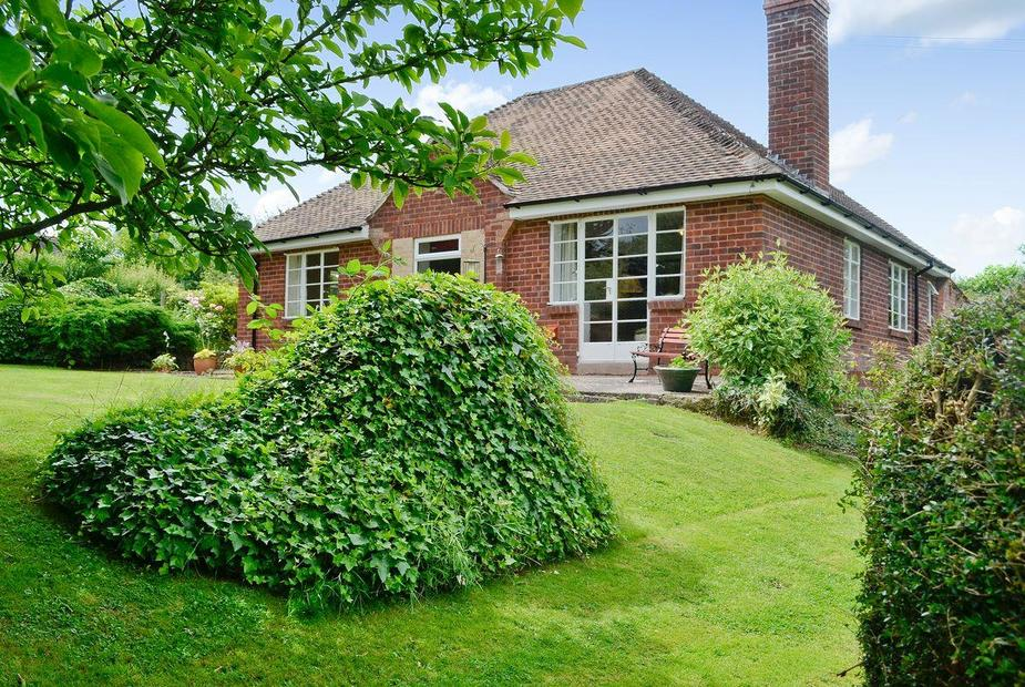The Old Post Office Exterior & garden | The Old Post Office, Ruckhall, Eaton Bishop, near Hereford