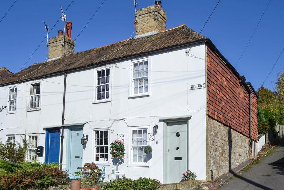 Seashells Quaint former fisherman's cottage  | Seashells, Hythe