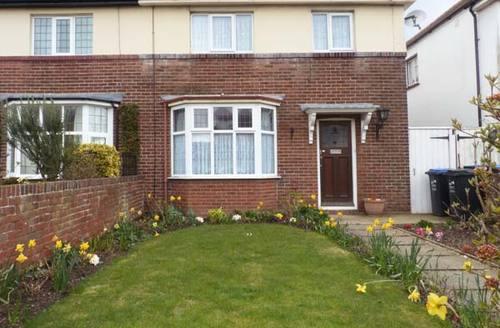 Snaptrip - Last minute cottages - Attractive Ramsgate Cottage S4039 -
