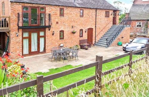 Snaptrip - Last minute cottages - Charming Stafford Barn S4050 -